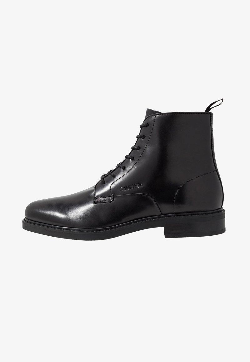 Calvin Klein - FORDEN LACE UP BOOTIE - Nauhalliset nilkkurit - black