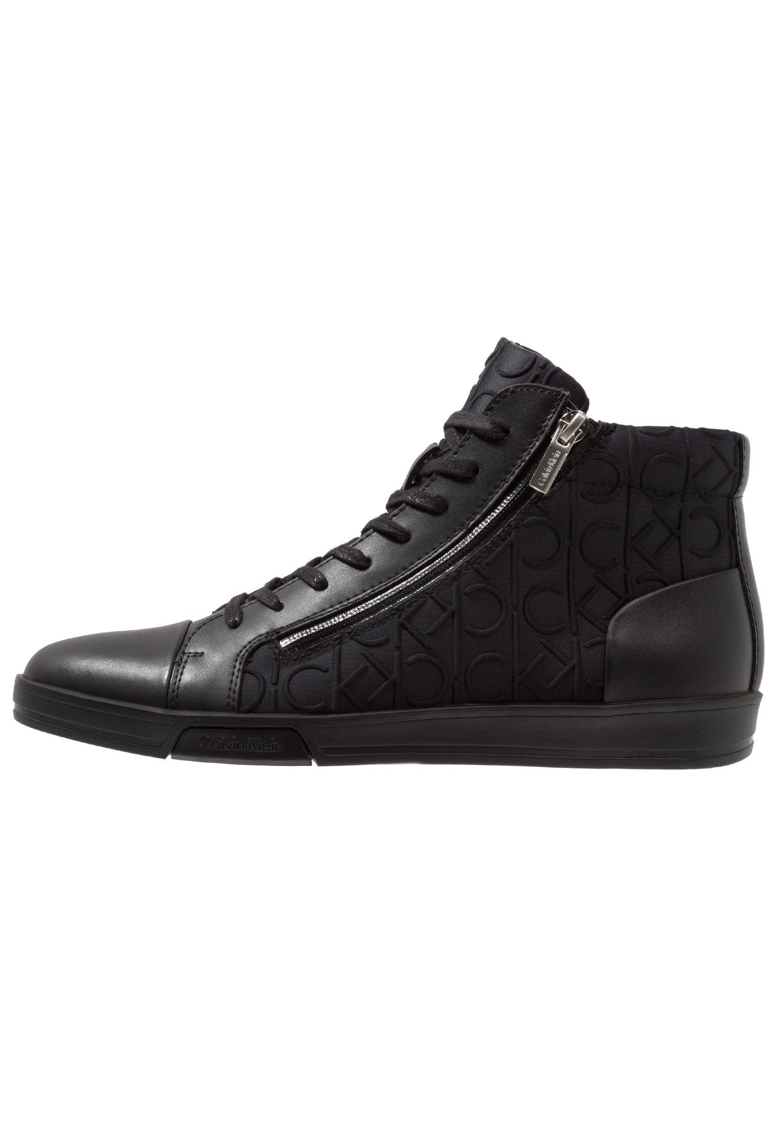 BERKE EMBOS Sneakers hoog black
