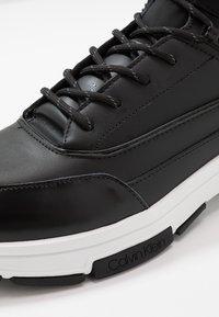 Calvin Klein - CADO LACE UP BOOTIE - Vysoké tenisky - black - 5
