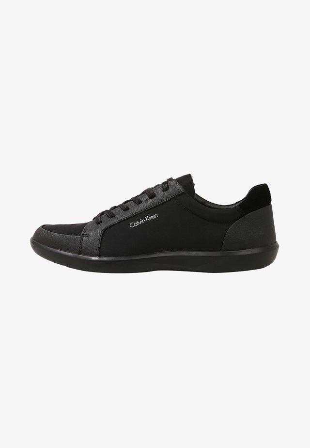 MACABEE - Sneakers laag - black