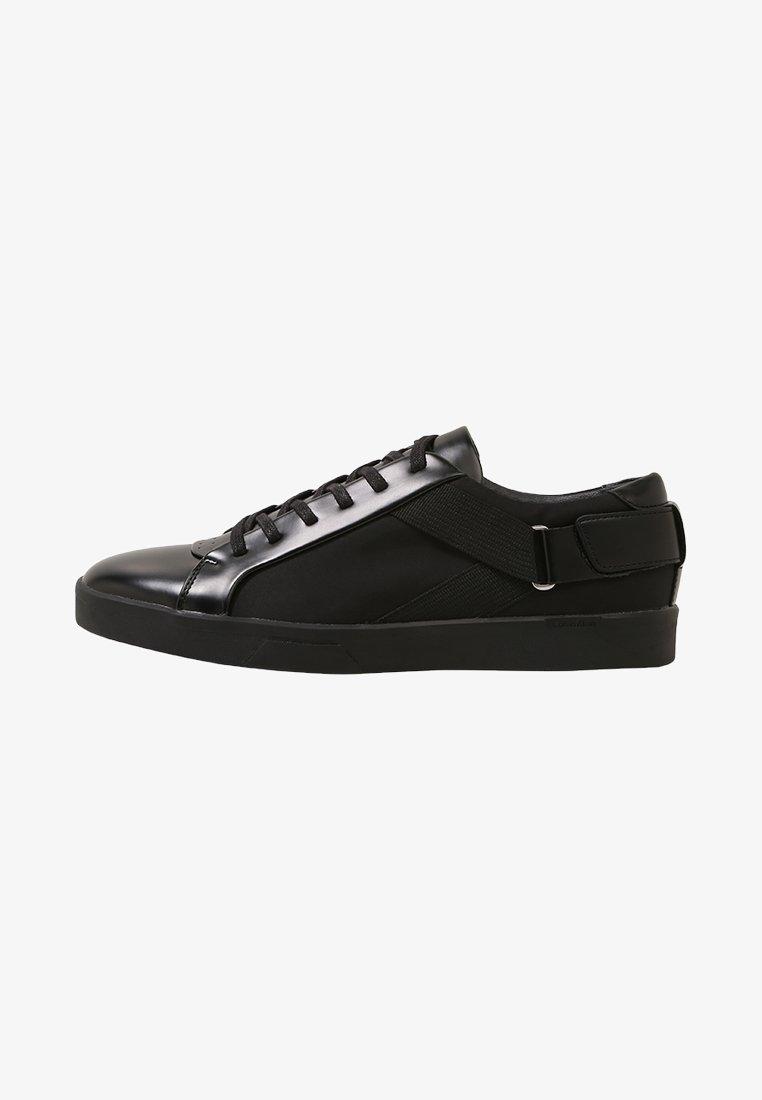 Calvin Klein - ITALO 2 - Sneakersy niskie - black