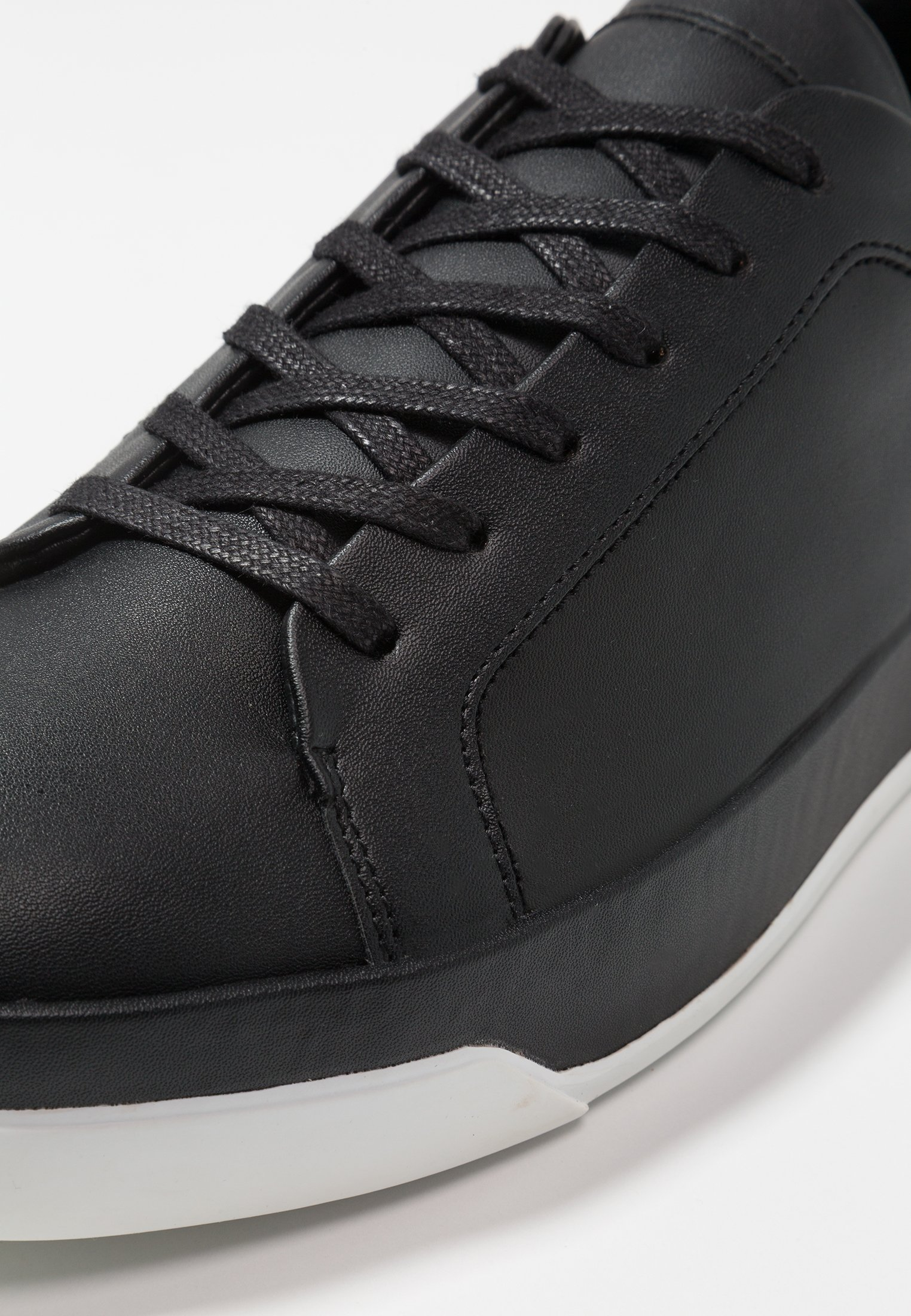 Calvin Klein FAUSTO - Baskets basses - black