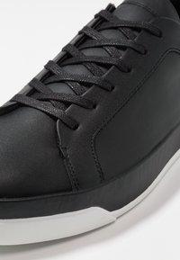 Calvin Klein - FAUSTO - Tenisky - black - 5