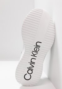 Calvin Klein - UNNI - Sneakers laag - black - 4
