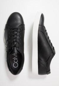Calvin Klein - BOONE - Sneakers laag - black - 1