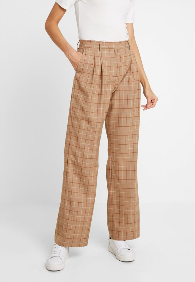 WINDOW PANE CHK PLEATED STL PANT - Tygbyxor - multi