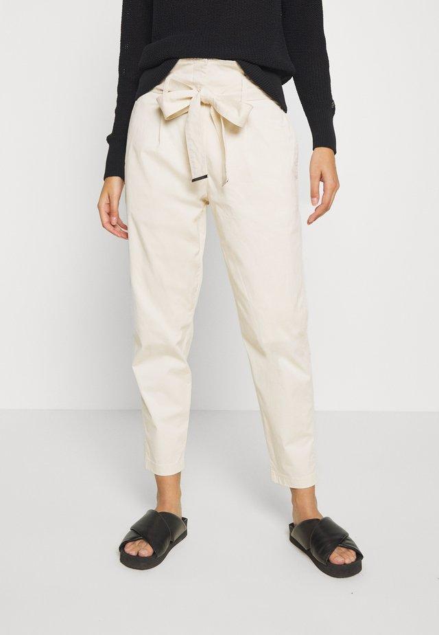 PAPER BAG  - Trousers - yax