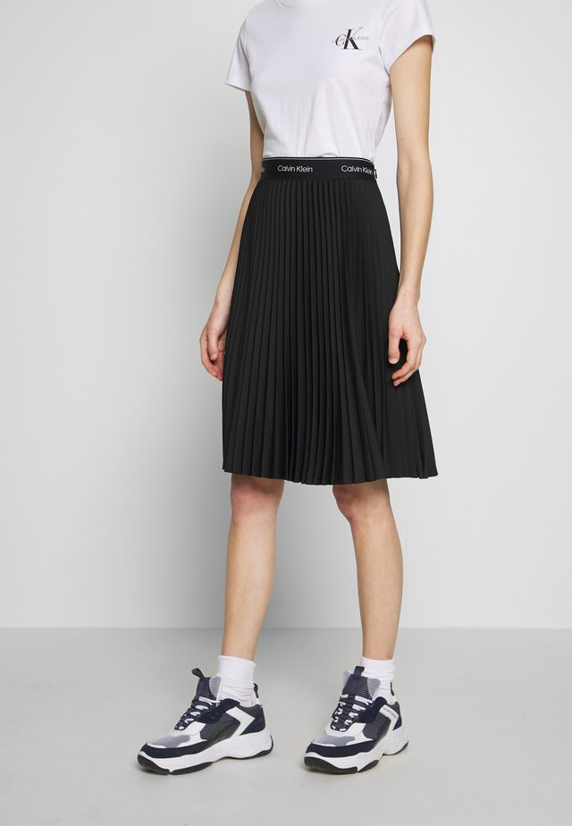 SUNRAY PLEAT MIDI ELASTIC SKIRT - A-linjekjol - black