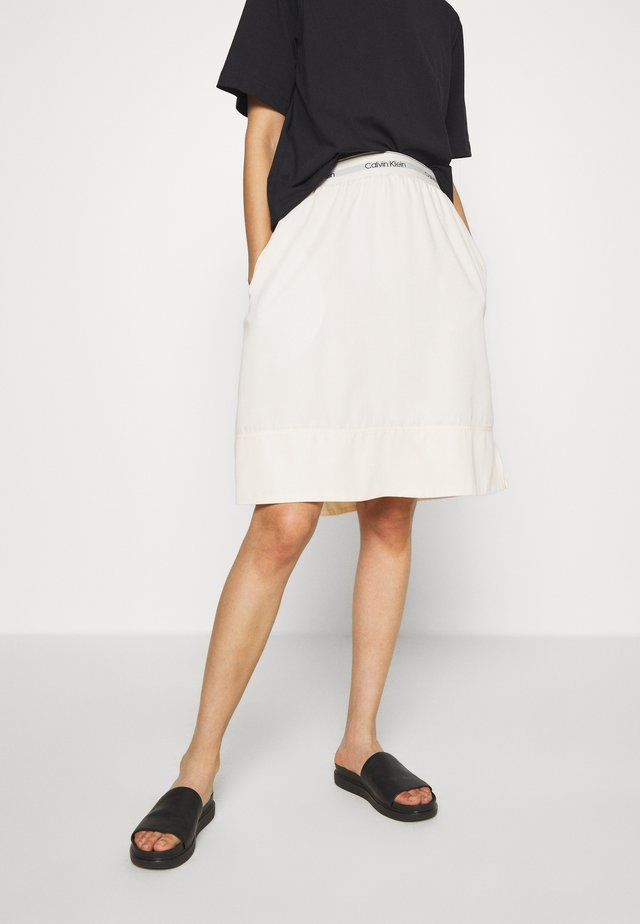 WASHED ELASTIC SKIRT - Spódnica trapezowa - white smoke