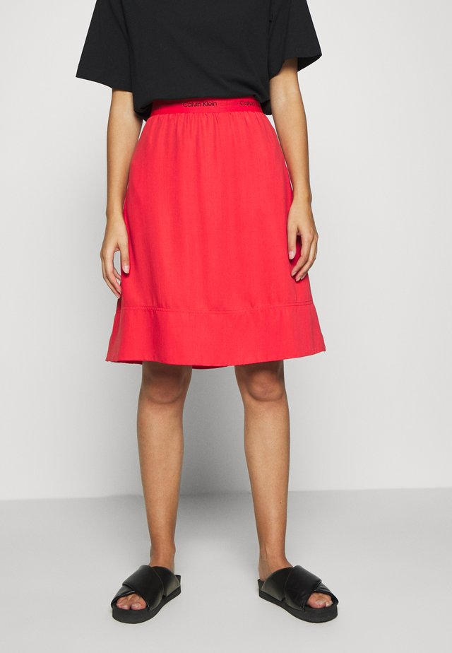 WASHED ELASTIC SKIRT - Spódnica trapezowa - red