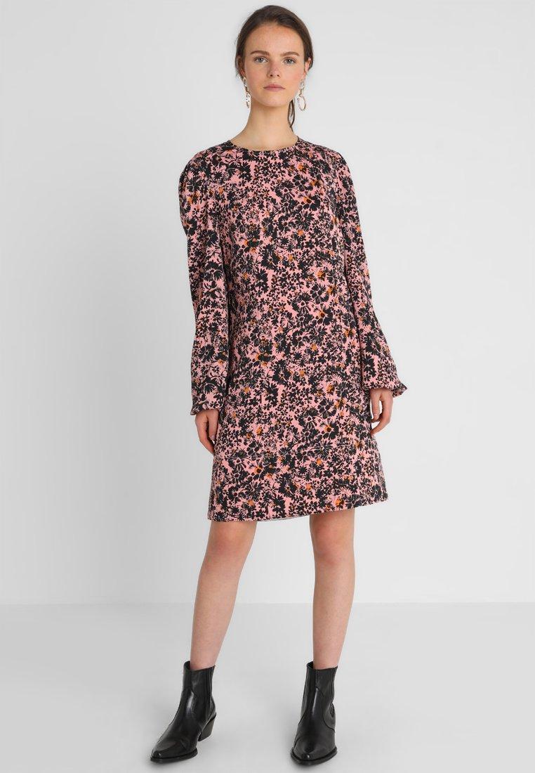 Calvin Klein - PUFF MINI DRESS - Freizeitkleid - red
