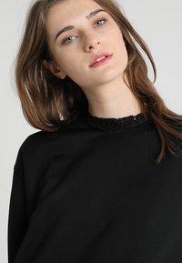 Calvin Klein - TRIM COCOON SHINE DRESS - Vestido informal - black - 5