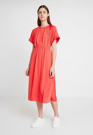 GATHERED WAIST DRESS - Maxi šaty - red
