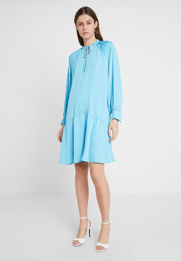 Calvin Klein - FRONT TIE DETAIL DRESS - Freizeitkleid - blue