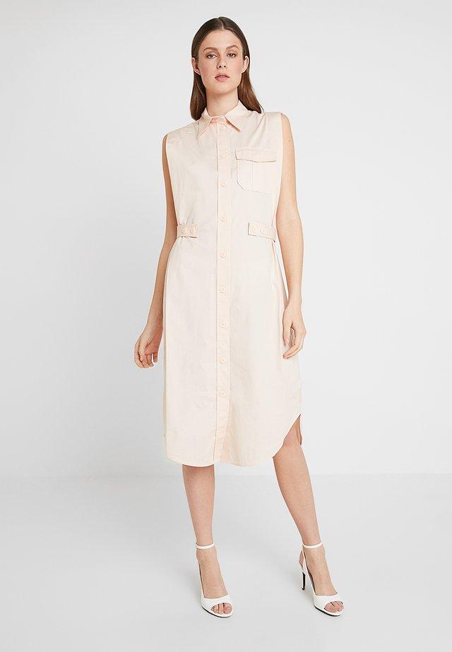 BELT DETAIL DRESS - Blusenkleid - pink