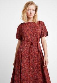 Calvin Klein - BOAT PANEL DRESS - Denní šaty - multi - 4