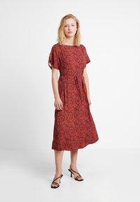 Calvin Klein - BOAT PANEL DRESS - Denní šaty - multi - 1