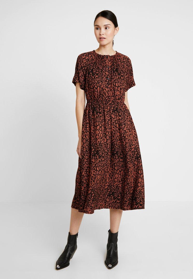 Calvin Klein - LEOPARD WAIST DRESS - Day dress - brown