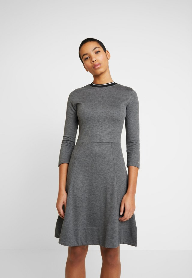 3/4 SLEEVE DRESS - Jerseyklänning - grey