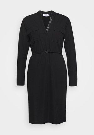 VNECK DRESS - Kjole - black