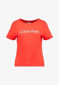 Calvin Klein - NEW NECK LOGO - Triko spotiskem - red - 4