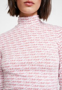 Calvin Klein - TURTLE - T-shirt à manches longues - red - 5