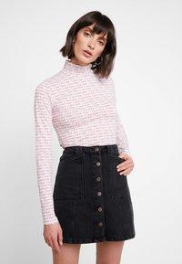 Calvin Klein - TURTLE - T-shirt à manches longues - red - 0