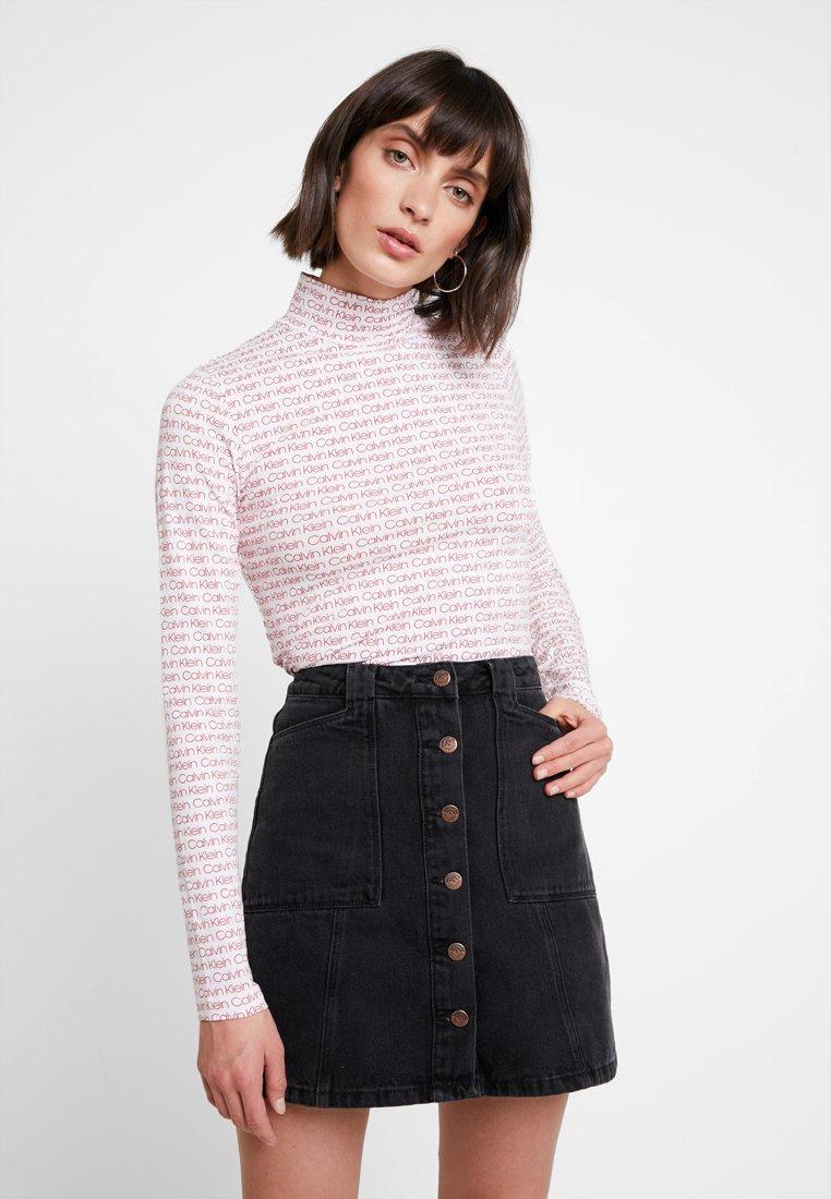 Calvin Klein - TURTLE - T-shirt à manches longues - red