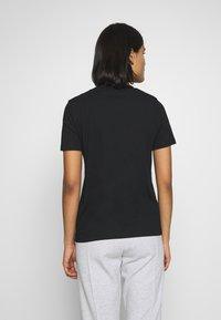 Calvin Klein - SMALL LOGO EMBROIDERED TEE  - Jednoduché triko - black - 2