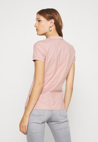Calvin Klein - ESSENTIAL - Polo - light pink - 2