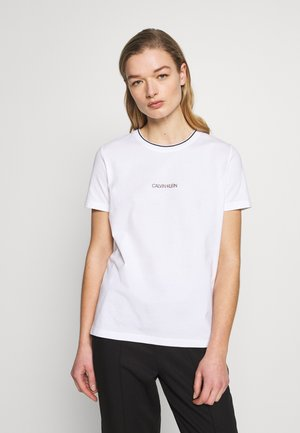 REGULAR FIT SMALL LOGO TEE - T-shirts med print - white