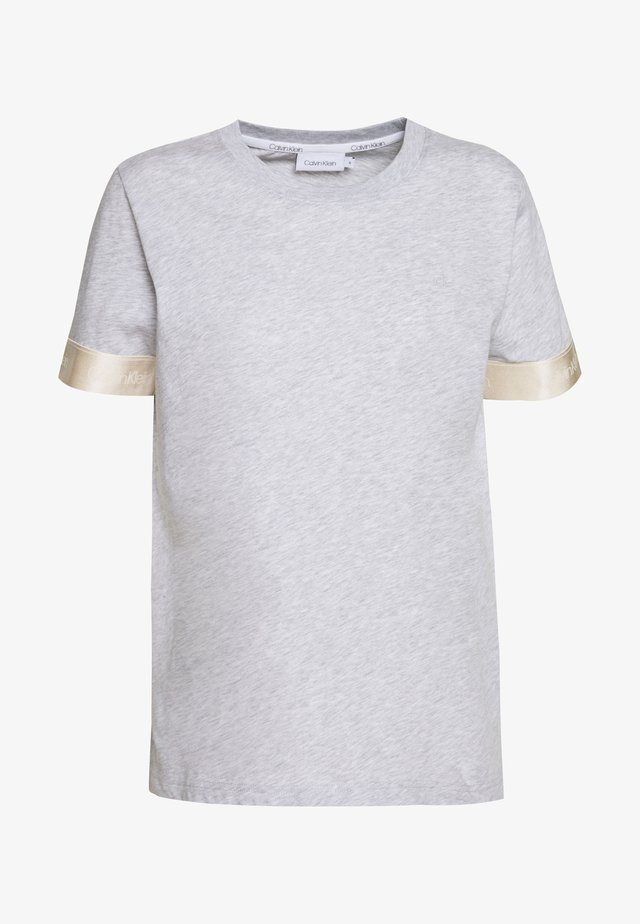 ATHLEISURE - T-shirt imprimé - light grey heather