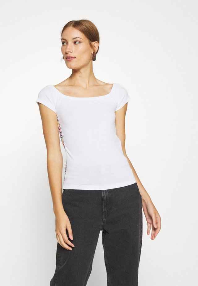 BARDOT PRIDE - T-shirt print - white