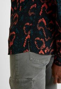 Calvin Klein - PLACKET DETAIL - Blouse - red - 4