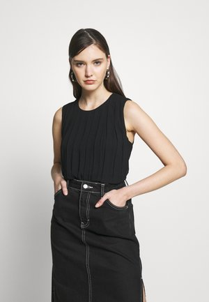 PLEAT DETAIL TOP - Pusero - calvin black