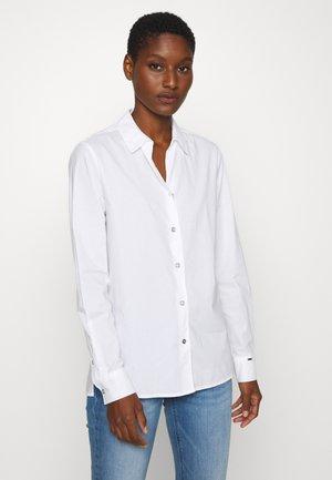 OPEN NECK SHI YAF - Camicia - white
