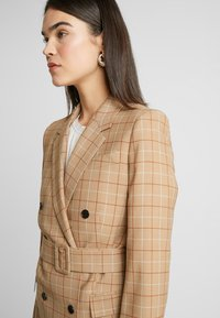 Calvin Klein - WINDOWPANE LONG - Halflange jas - mottled beige - 3