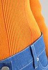Calvin Klein - PLAITED BOAT - Strickpullover - orange
