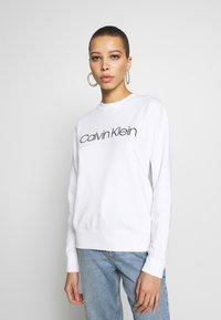 Calvin Klein - CORE LOGO - Collegepaita - white - 0