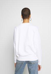 Calvin Klein - CORE LOGO - Collegepaita - white - 2