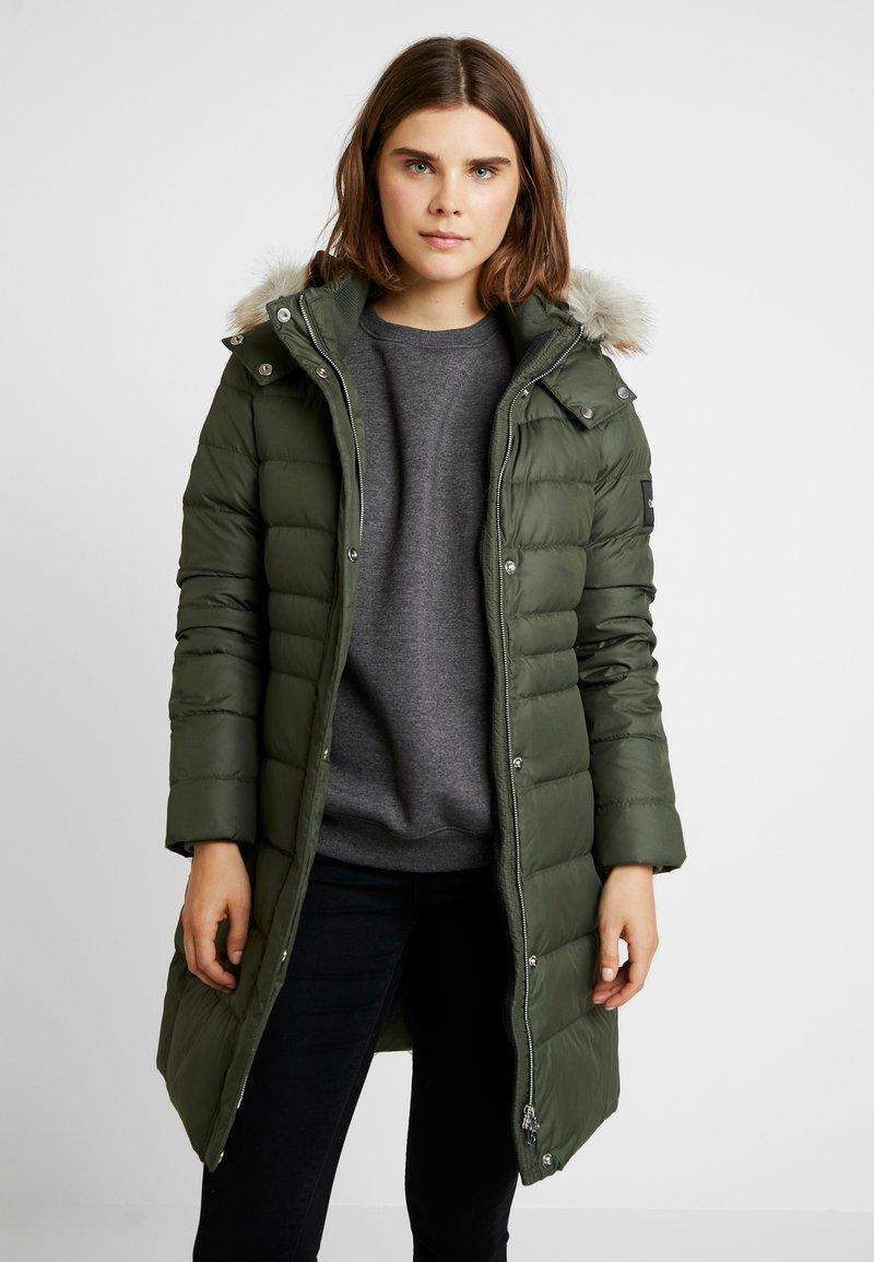 Calvin Klein - ESSENTIAL - Down coat - green
