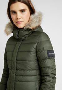 Calvin Klein - ESSENTIAL - Dunkåpe / -frakk - green - 6