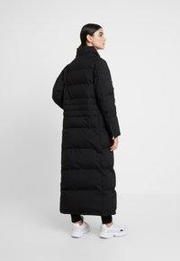 Calvin Klein - MODERN MAXI LONG COAT - Dunkåpe / -frakk - black - 4