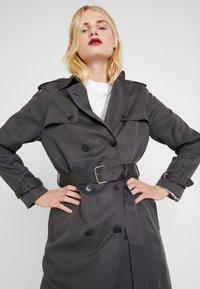 Calvin Klein - TRANSSEASONAL - Trenchcoat - grey - 3