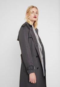 Calvin Klein - TRANSSEASONAL - Trenchcoat - grey - 4