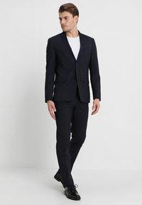 Calvin Klein Tailored - TAD-B/PACE-B - Kostuum - true navy - 1