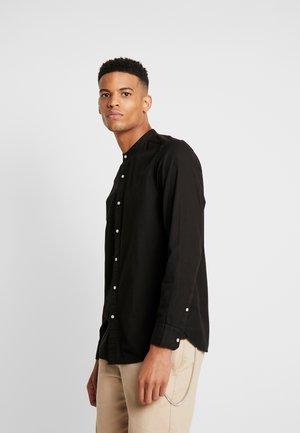 STAND COLLAR GARMENT DYE SHIRT - Shirt - black