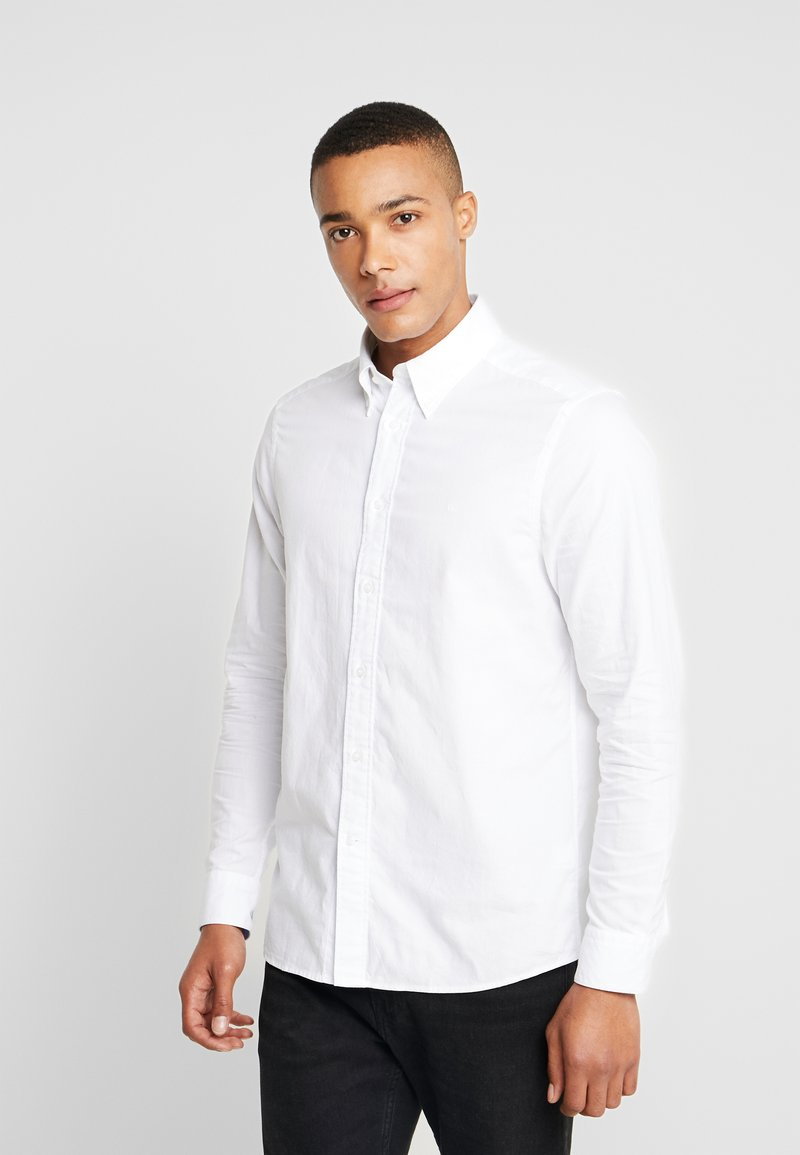 Calvin Klein Tailored - BUTTON DOWN WASHED REGULAR FIT - Hemd - calvin white