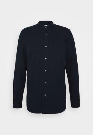 STAND COLLAR LIQUID TOUCH SHIRT - Košile - blue