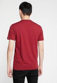 Calvin Klein - LOGO - Jednoduché triko - red - 2